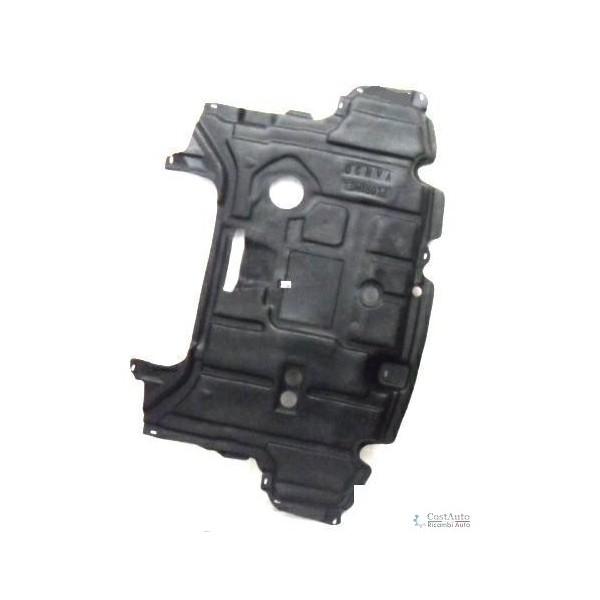 Carter protezione motore centrale per toyota yaris 2011 al 2014 diesel Lucana Paraurti ed Accessori
